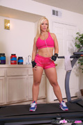Training With Austin Pics - Bootylicious Austin Taylor loves to get her work out in bright and early morning at the gym