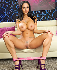 Meeting Ava Addams Pics - Lovely and sultry brunette Ava Addams